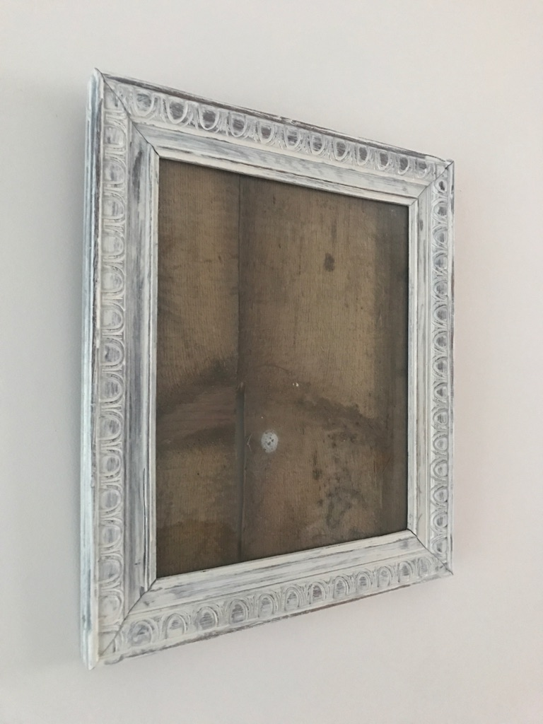 Salvaged vintage shabby chic picture frame