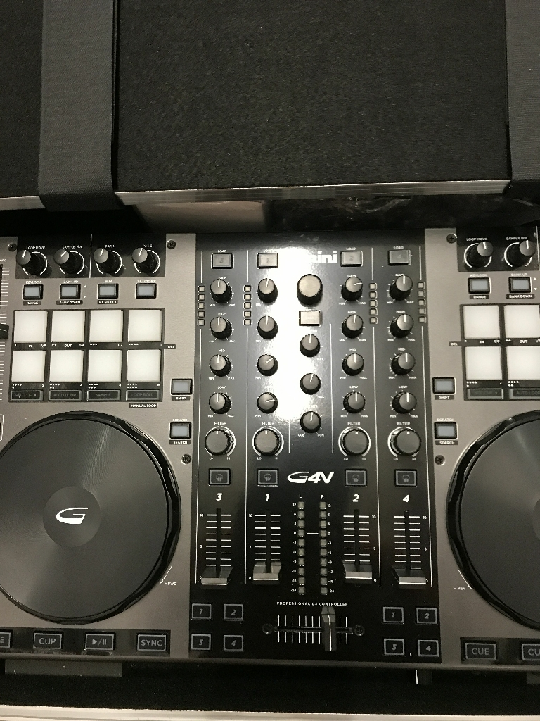Gemini G4V Dj Controller w/Flight Case new