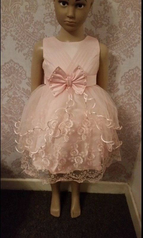 Age 3 years pink ruffle bow dress nwt
