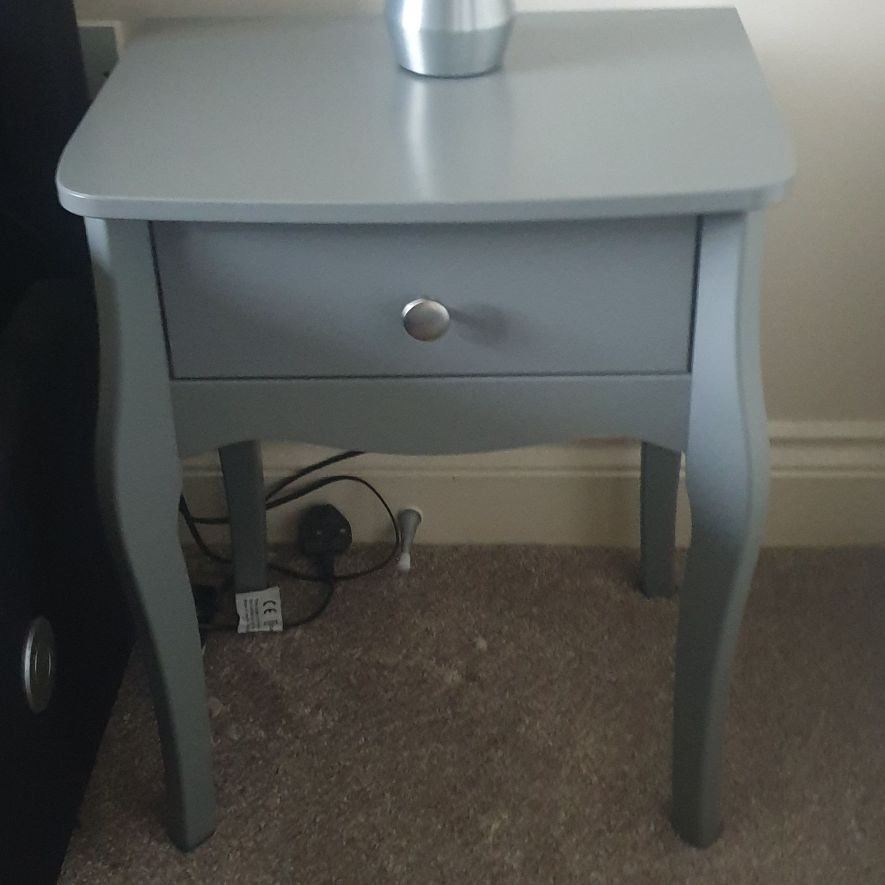 2 x bedside tables - Grey