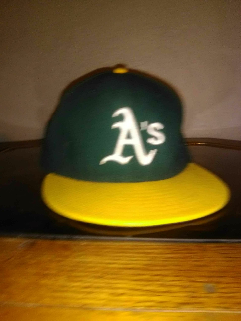 Fitted mens hat