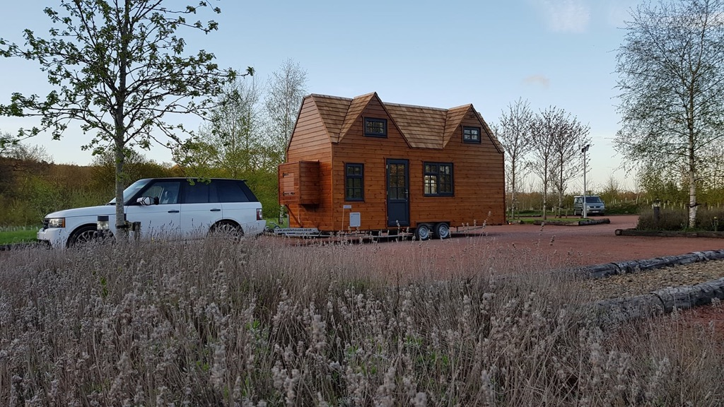 *wanted-not for sale* Land/garden/space required for 23ft mobile home/caravan