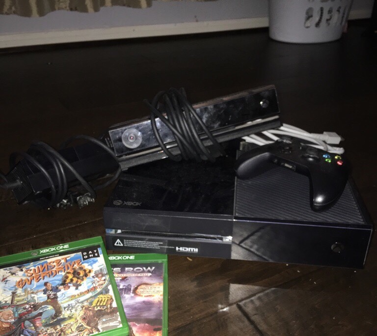 Xbox one with all wires,Kinect,controller, and 3 games