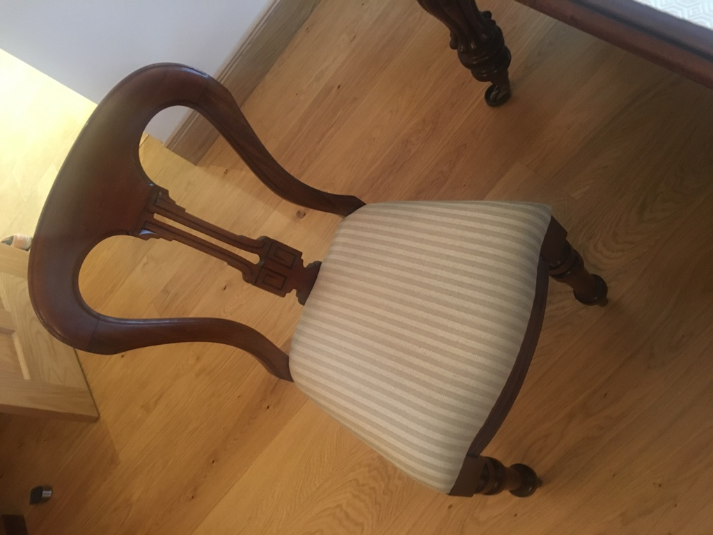 12 Victorian mahogany dining chairs