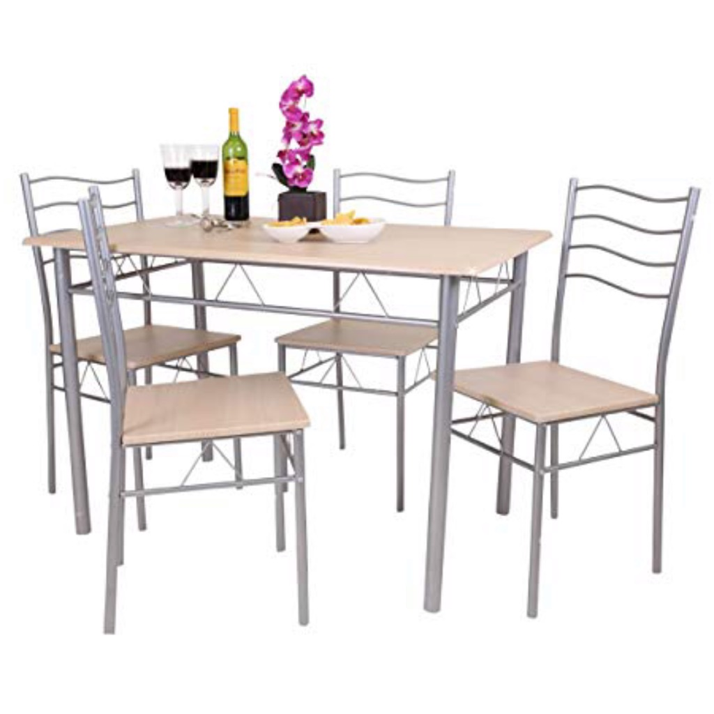 Table with 4 chairs cushions included
