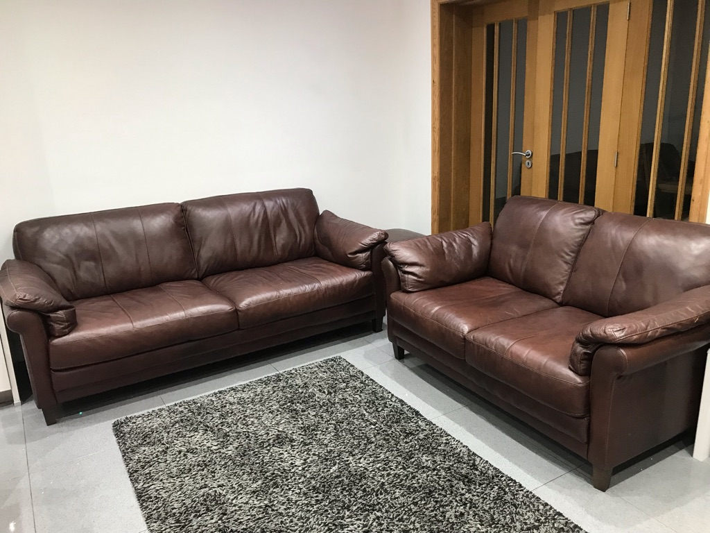 3+2. Seater leather sofas.