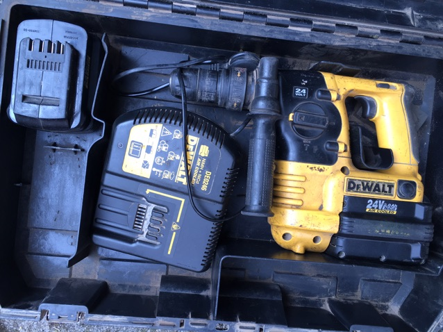 Dewalt dC224 24 volt hammer drill