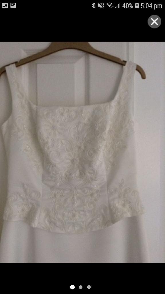 IVORY SILK/SATIN EMBROIDERED ANGLAIS WEDDING DRESS