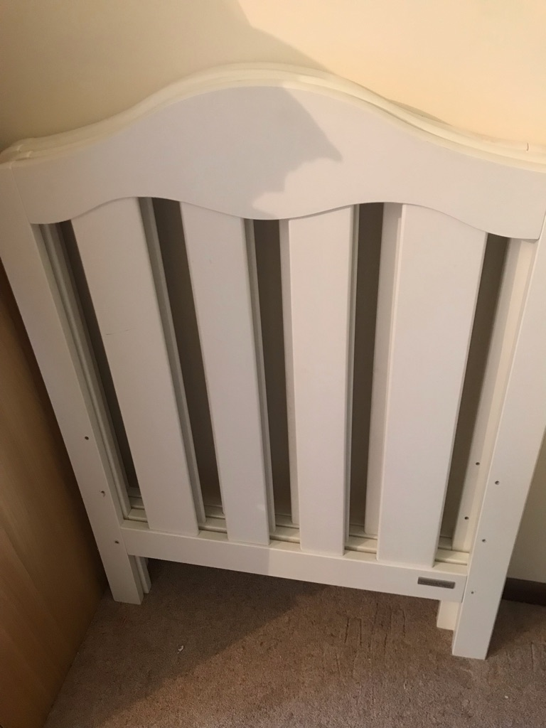 Lucia cot beds (mamas and papas)