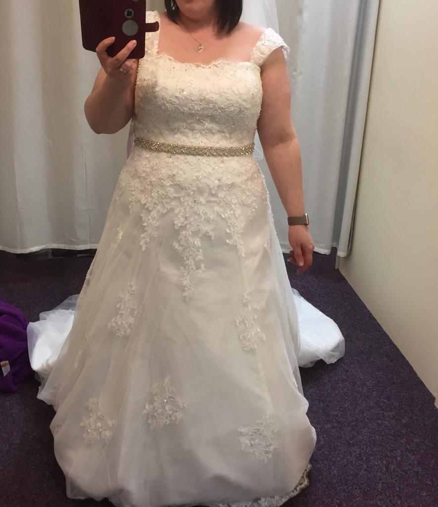 Size 20 Rose Amelia wedding dress bundle