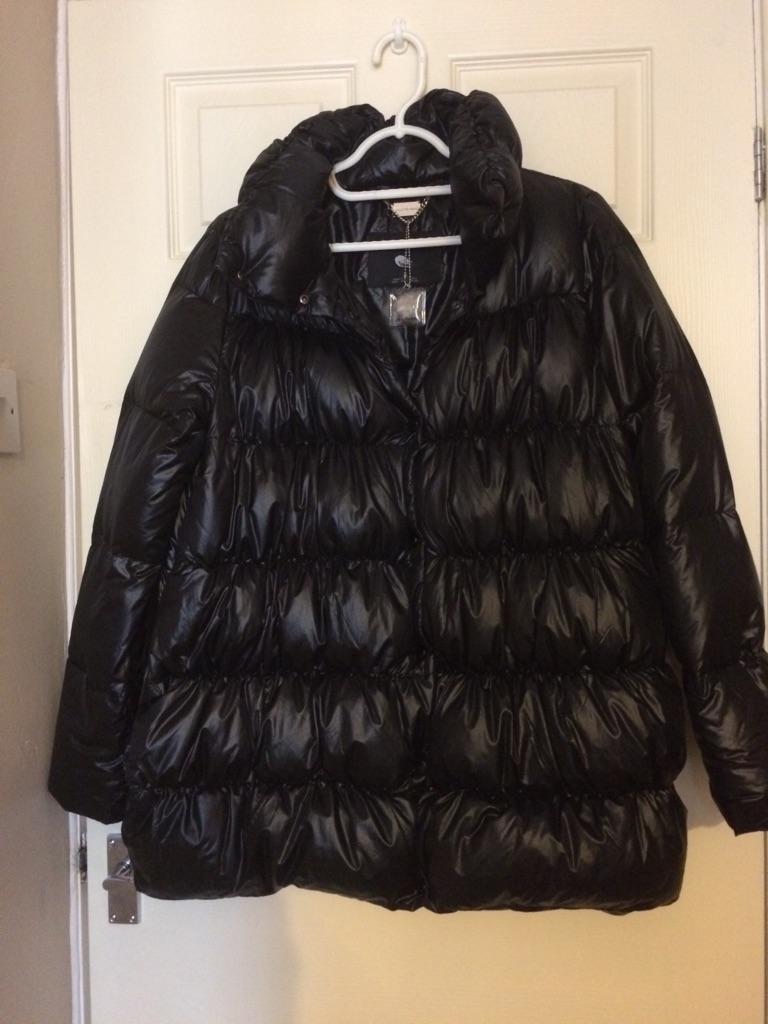 Zara brand new unused Mdm size Puffer Jacket