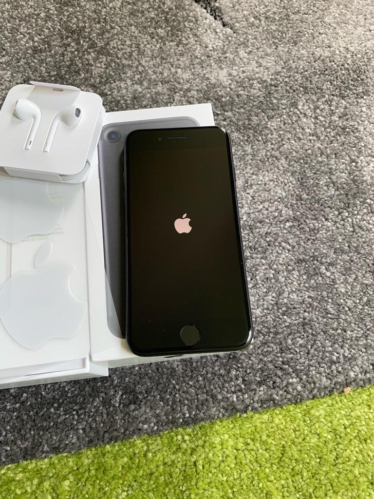 IPhone 7 32gb black BRAND NEW (Vodafone)
