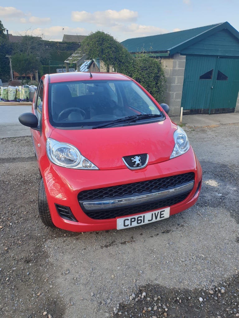 Red, Peugeot 107 2012, great condition