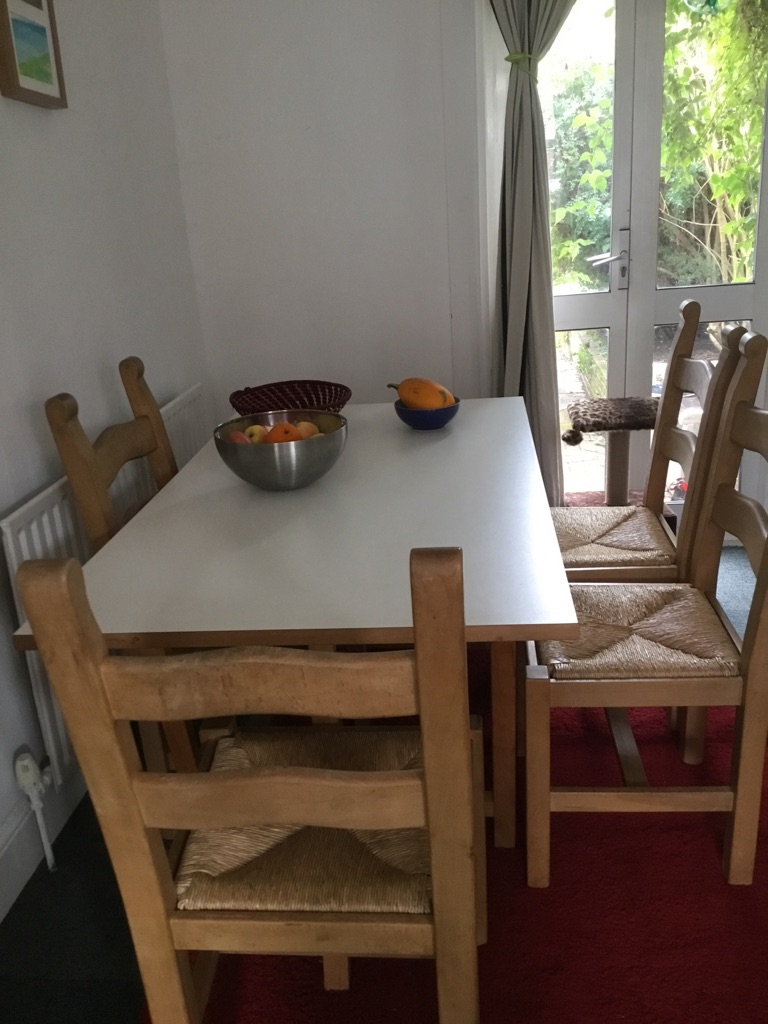 Quirky dining table with 4 vintage chairs
