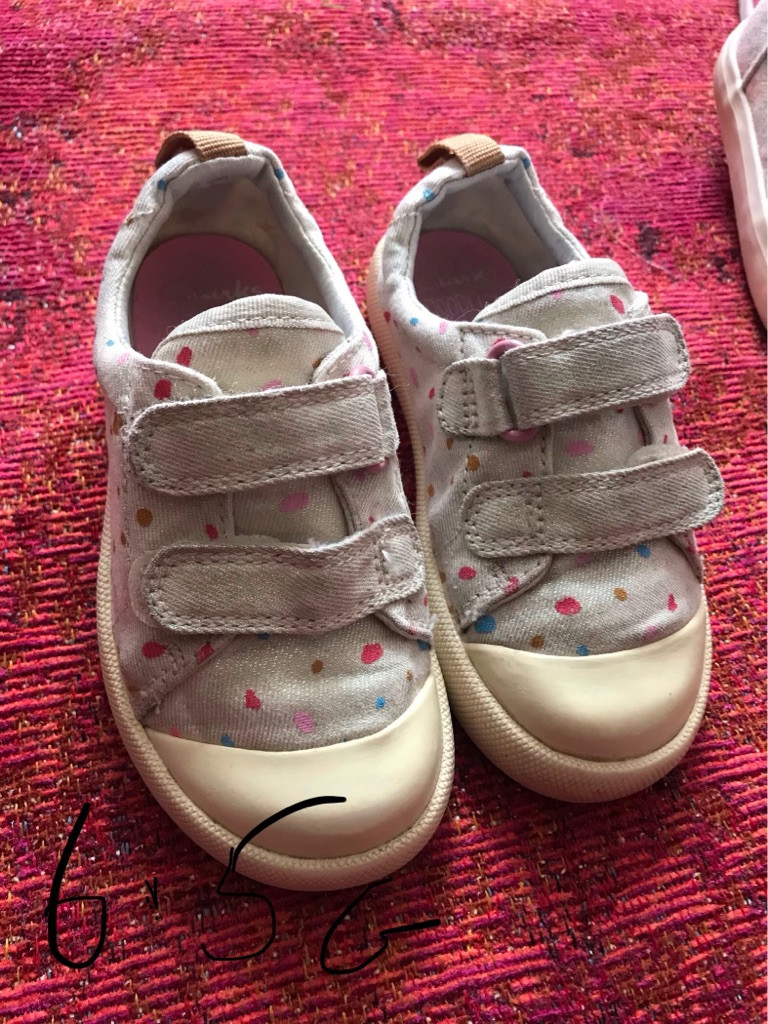 Infants Trainers Size 6.5