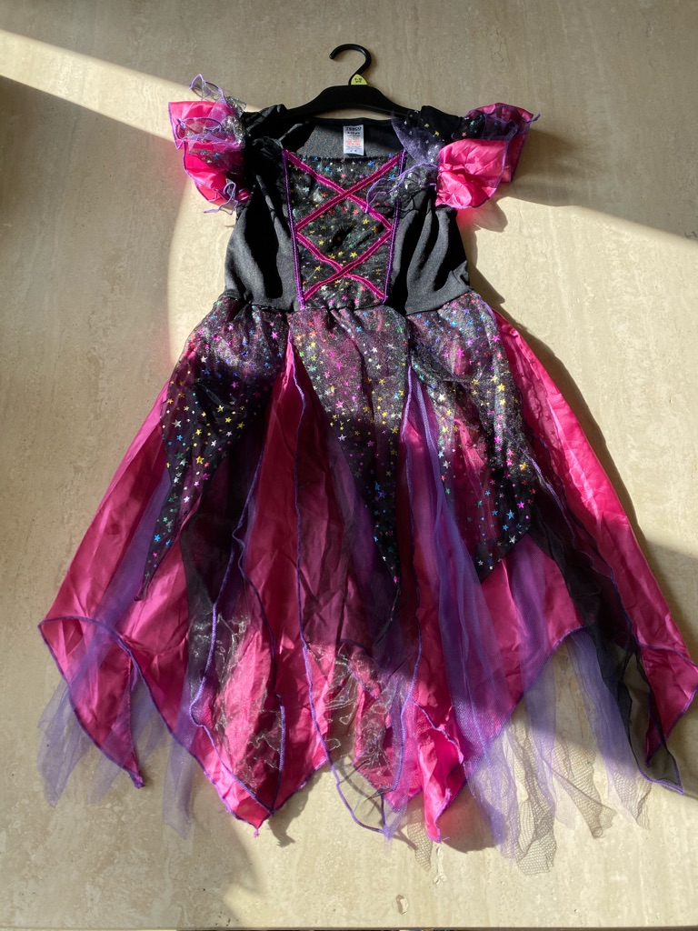 Halloween witch outfit age 9-10