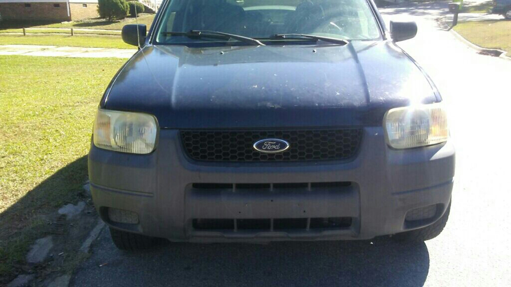 2005 Ford escape $1400 Automatic 180k miles Runs and drives perfect  No issues title in hand Call 803-743-7666