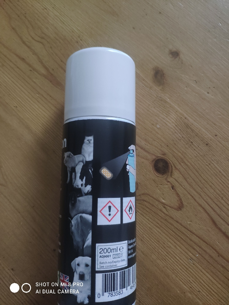 Pet spray on plaster