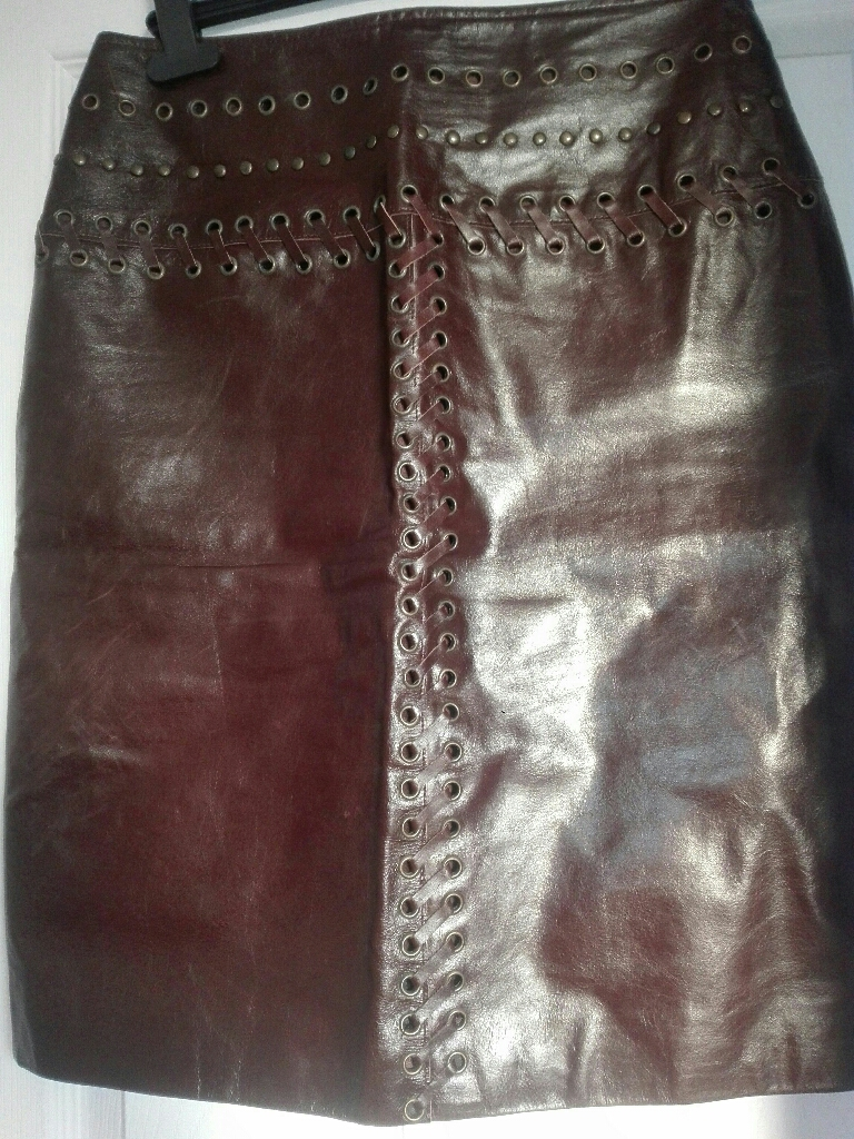 Brown top quality genuine leather skirt