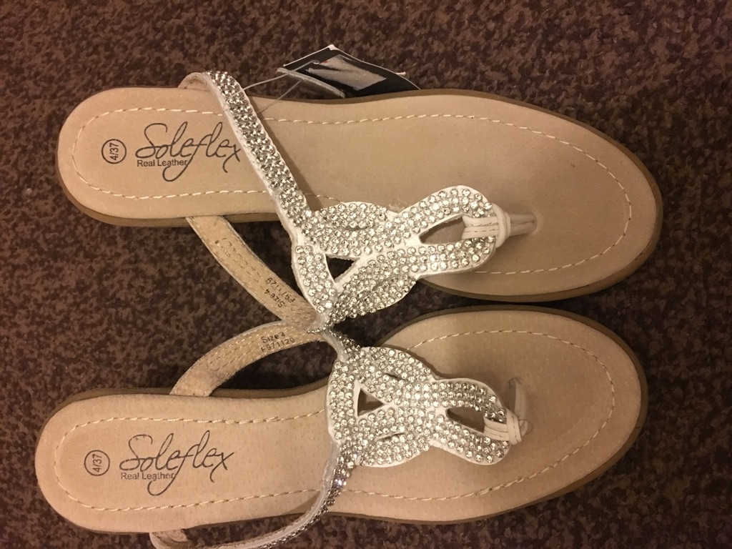 Brand new size 4 wedge sandals