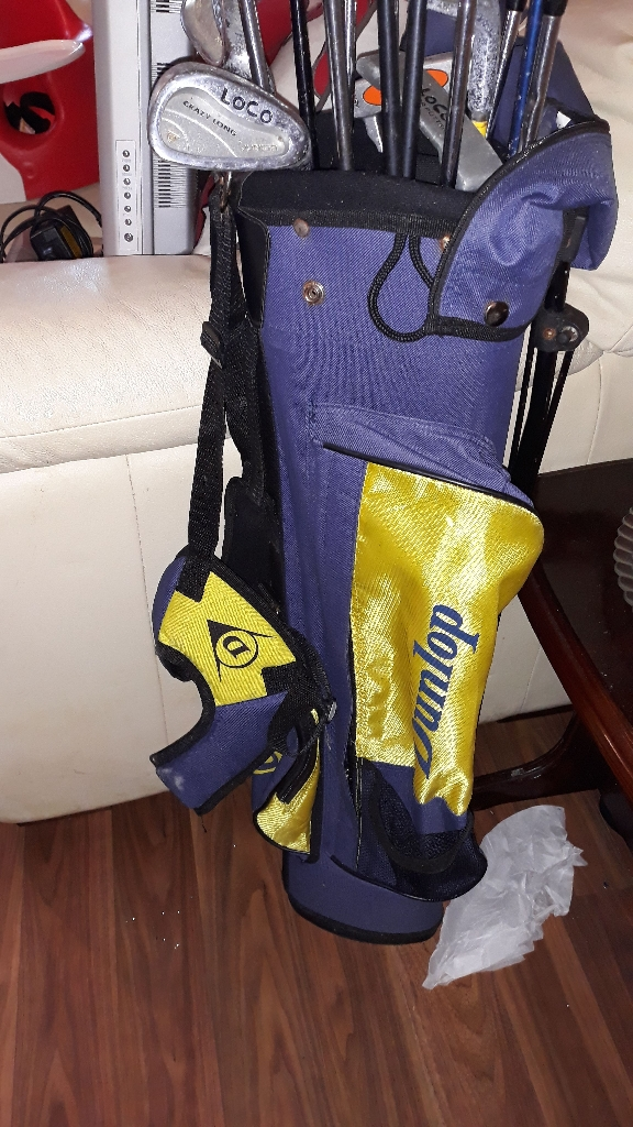 Dunlop golf bag and irons