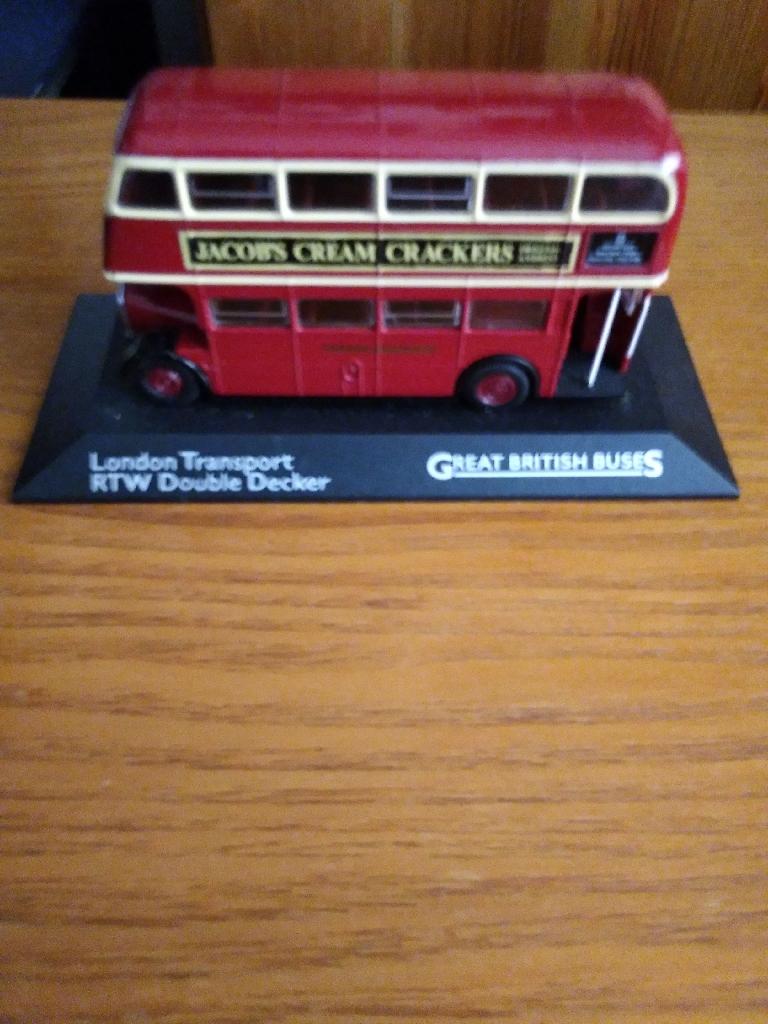 7 excellent contion die cast London transport buses