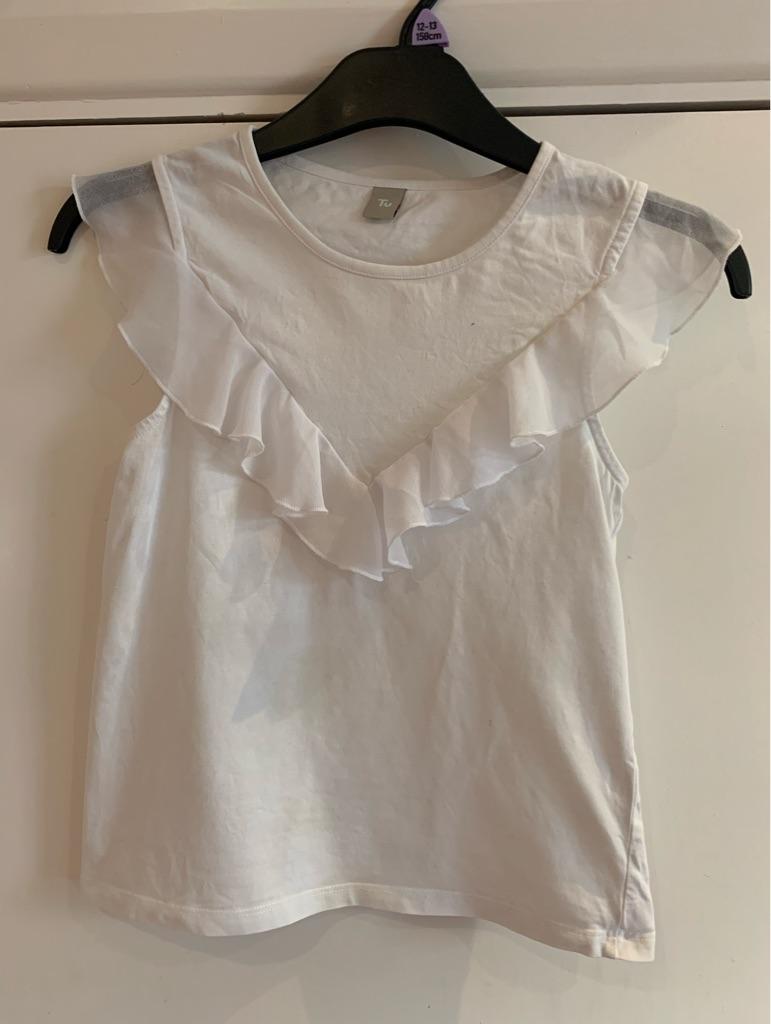 Girls white short sleeve top 10 years