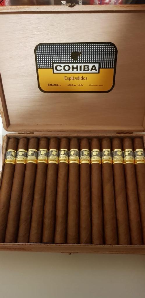 Cohiba Espléndido & Montecristo cigars