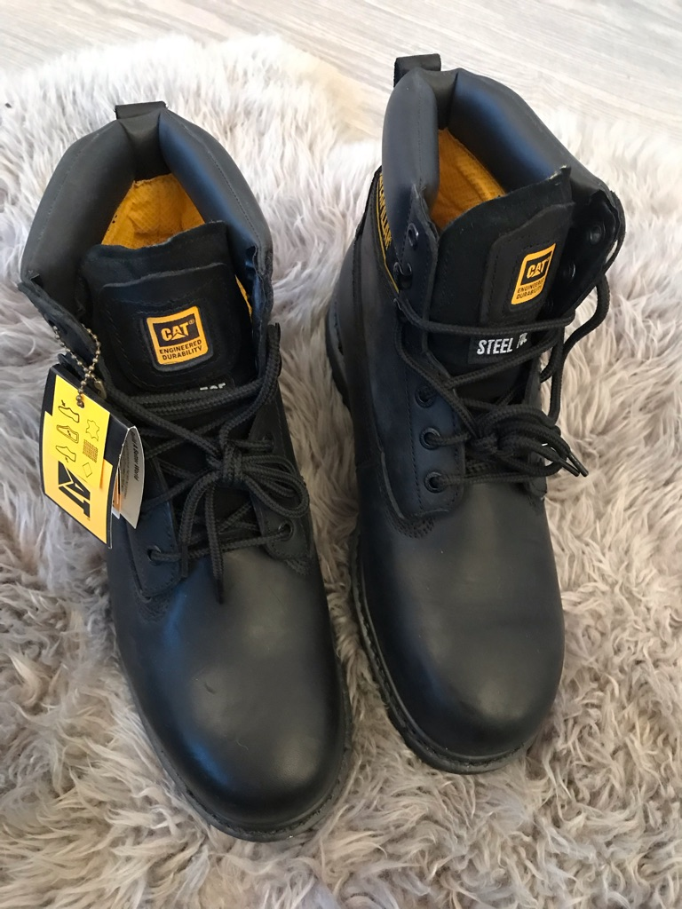 Caterpillar boots BNWT size 10 black steel toes