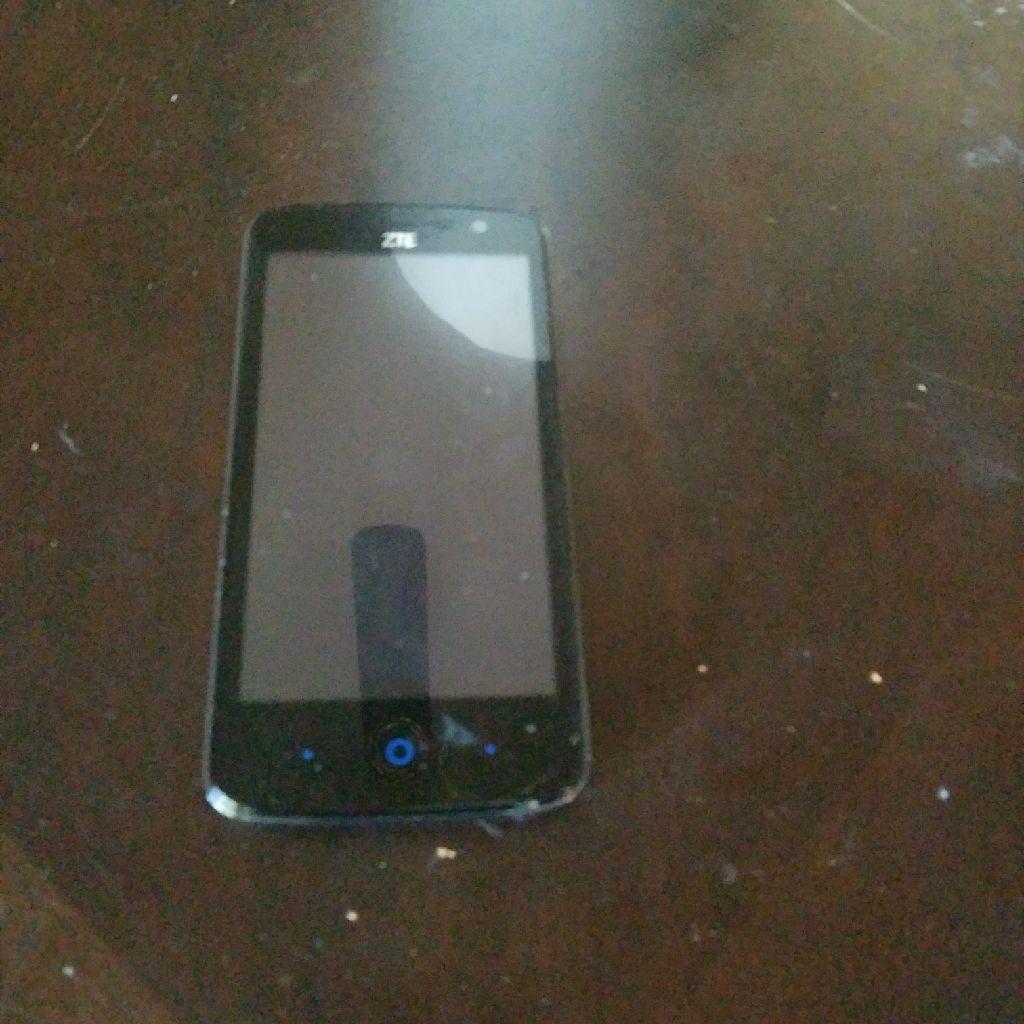 Black tracfone zte smartphone