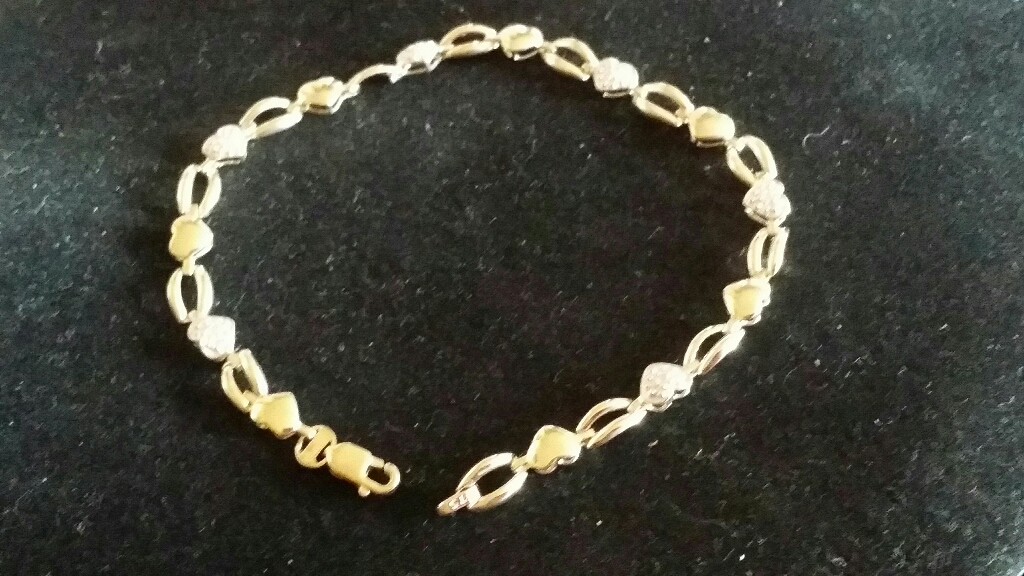 9ct gold Diamond Heart Bracelet