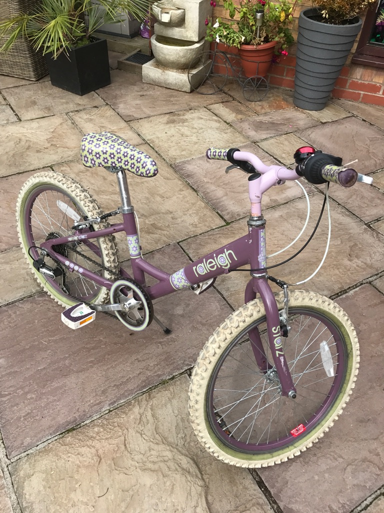 Girls Raleigh Bike
