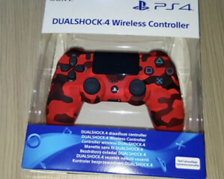 PS4 Dual Shock official controllers