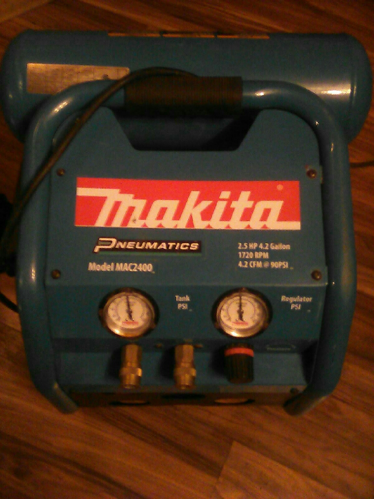 Makita 2.5 HP 4.1 Gallon Air Compressor