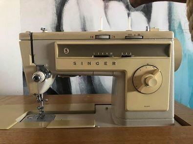 Singer sewing machine 533