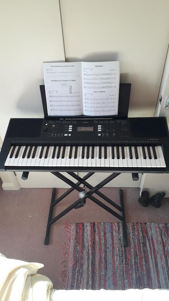 Yamaha Electronic Keyboard PSR E343