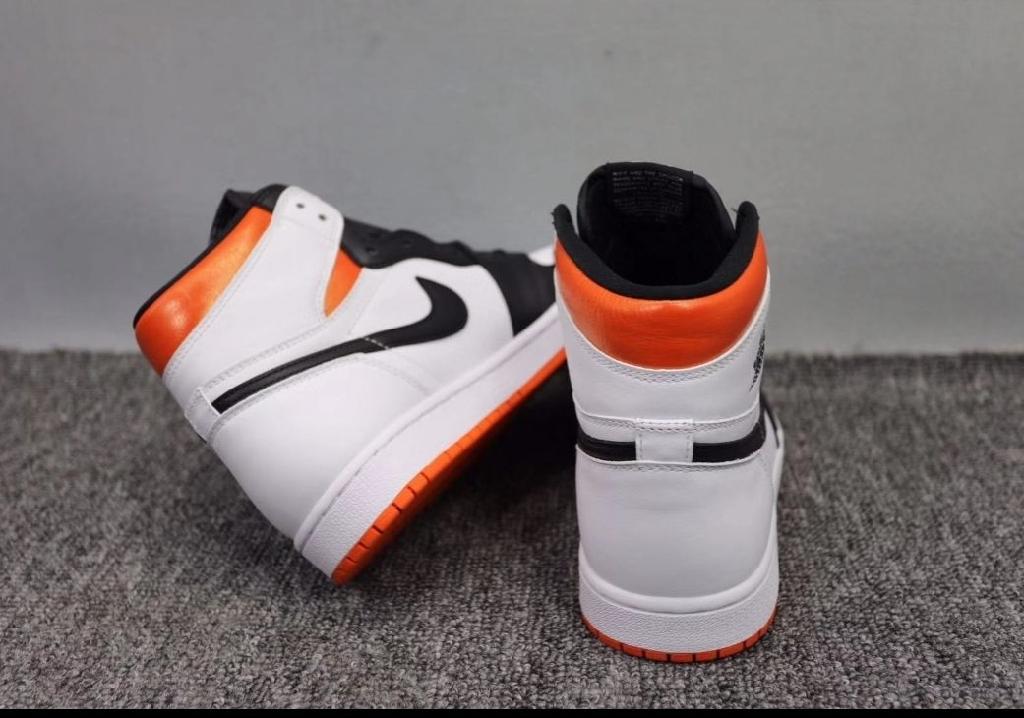 Jordan retro1 size 9 & 10