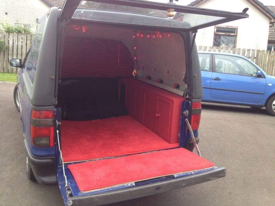 VW Caddy Pickup