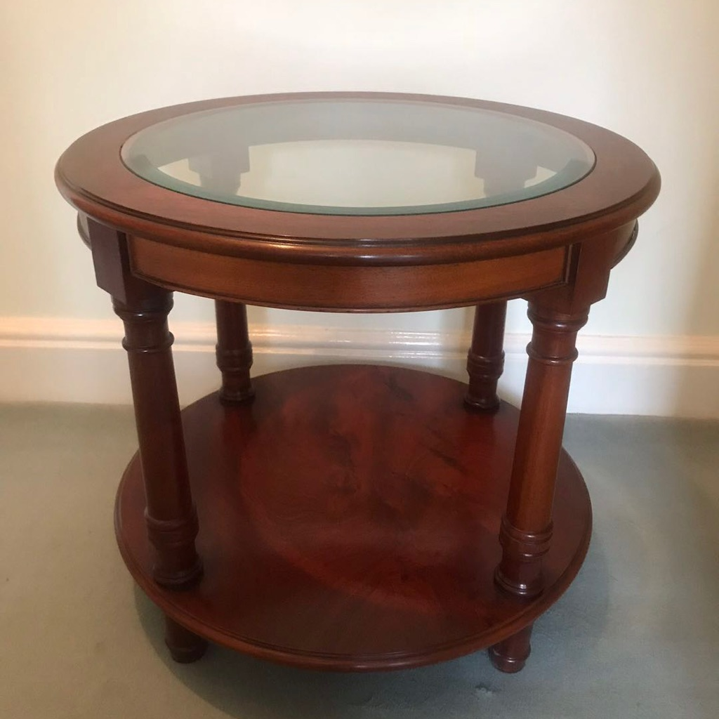 Round coffee or lamp table