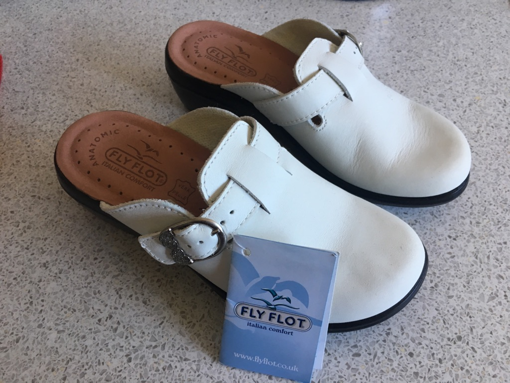 LADYS WHITE FLY FLOTS NEW