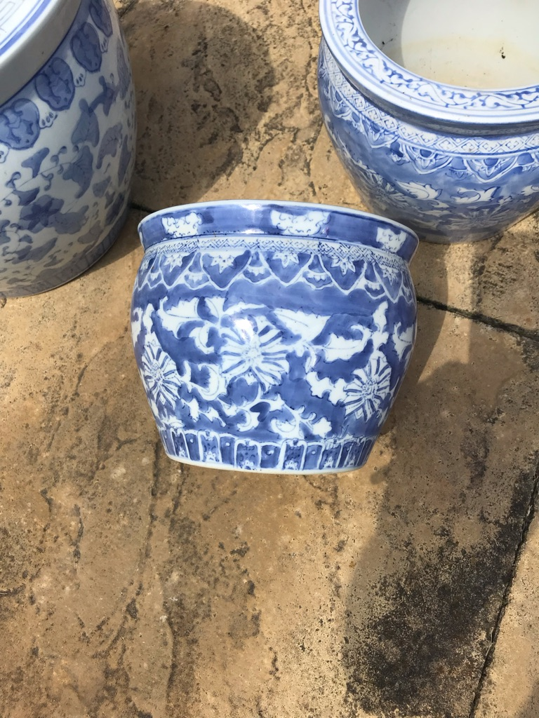 Set of 3 circular plant pots in different coordinating blue & white patterns