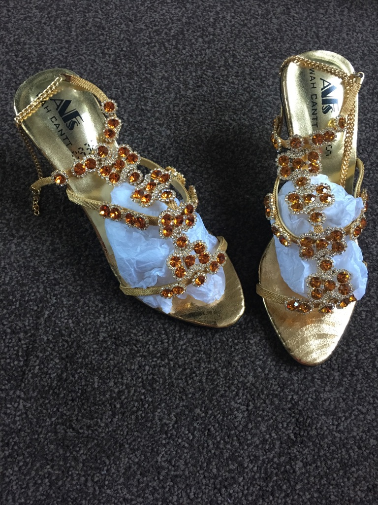 Sparkling occasion/party anklet sandals Size 5