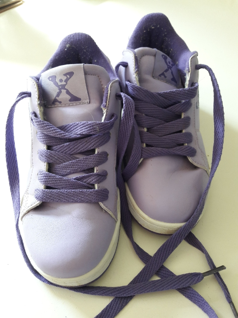 Wheel shoes size 13