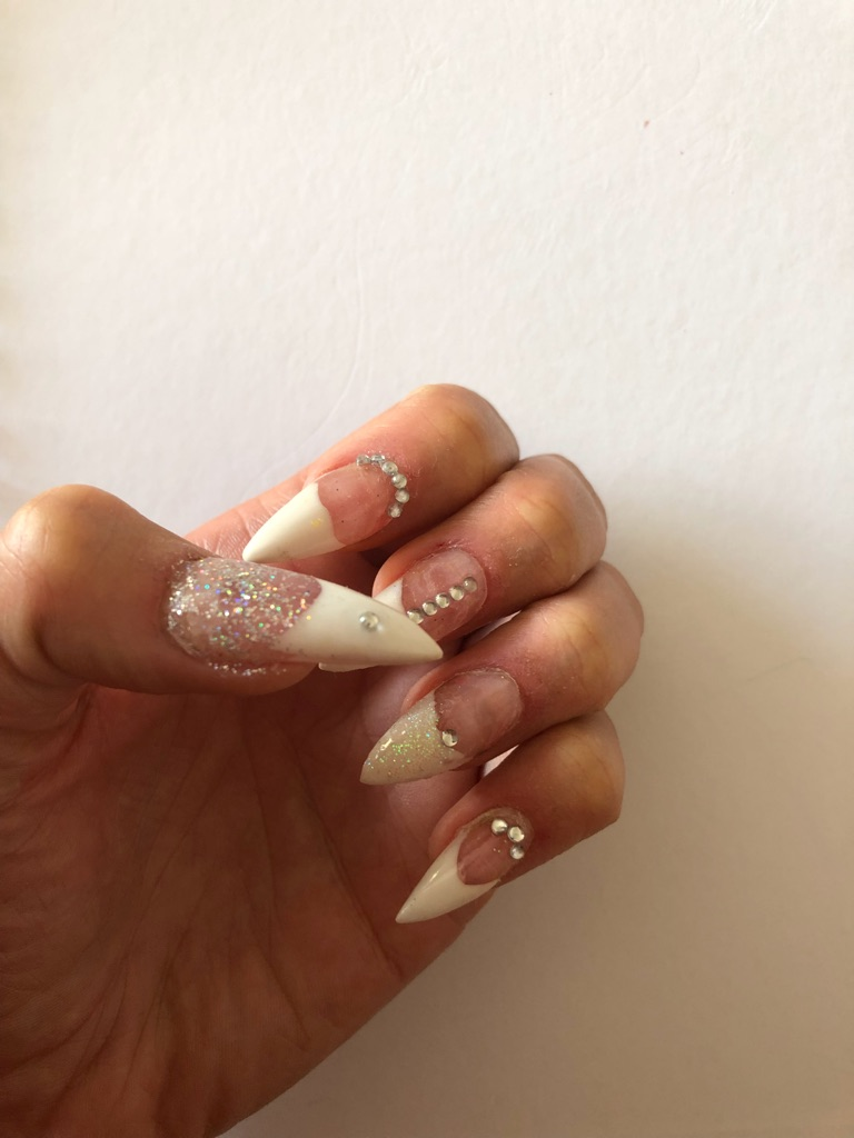 Full set of acrylic extensions including colour and design