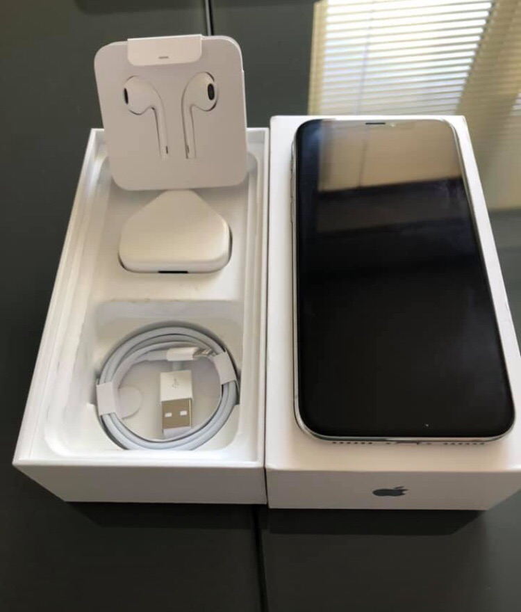 iPhone X 256GB UNLOCKED WHITE