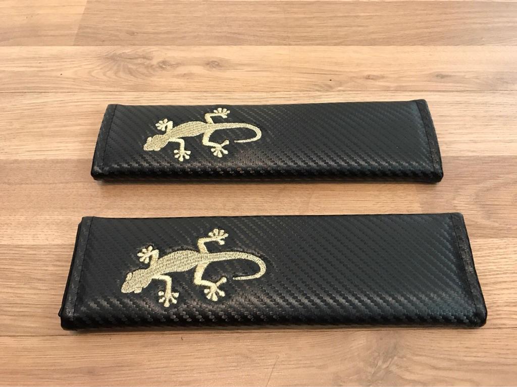 2X Seat Belt Pads Carbon Gift Gecko Reptile Lizard 4X4 4WD Quattro XDrive Gold