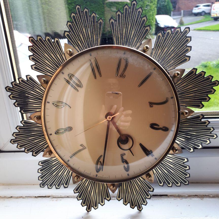 Beautiful Retro Sunburst Starburst Wall Clock S