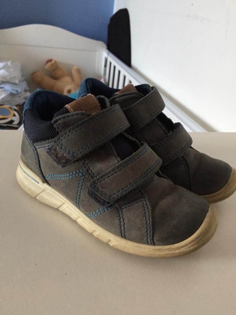Boys infant size 9 shoes