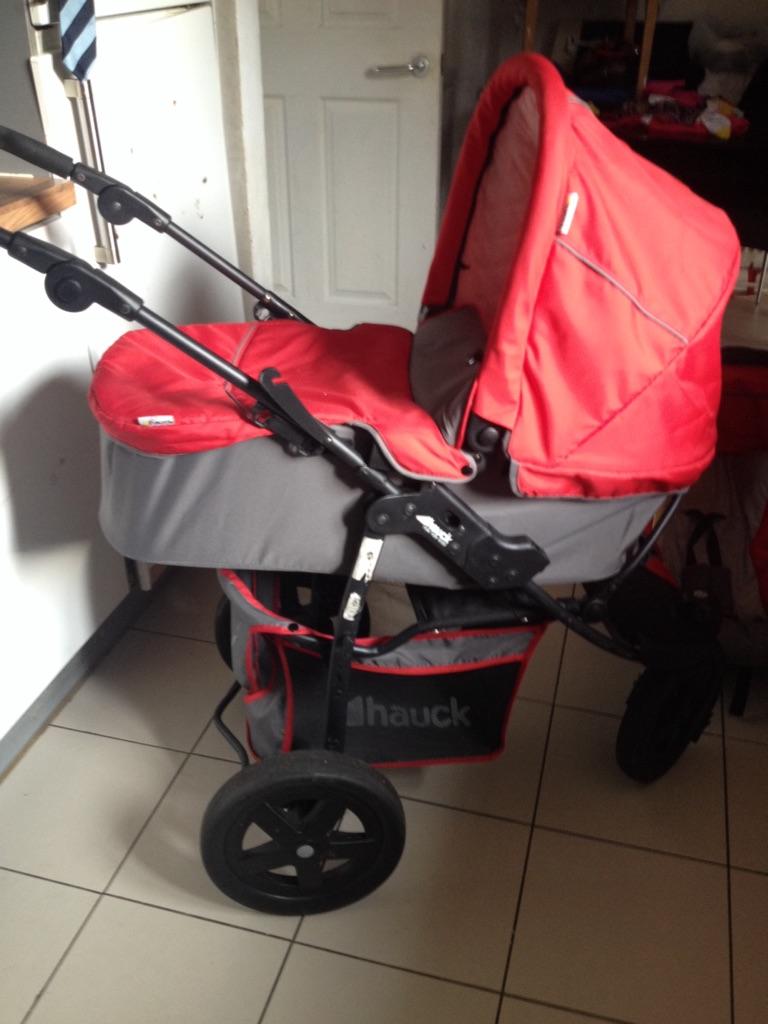 Hauck 3 in 1 stroller