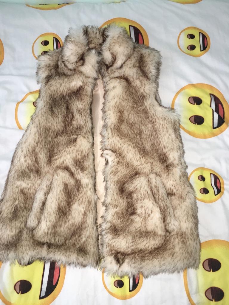 Girls fur gilet